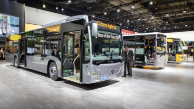 אוטובוס היברידי של מרצדס מוצג בתערוכה