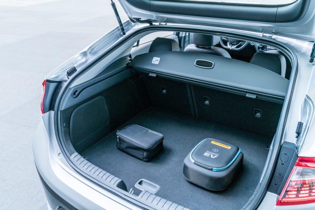 תא מטען של יונדאי איוניק EV פתוח