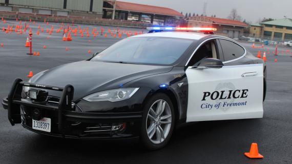 רכב משטרתי טסלה מודל X