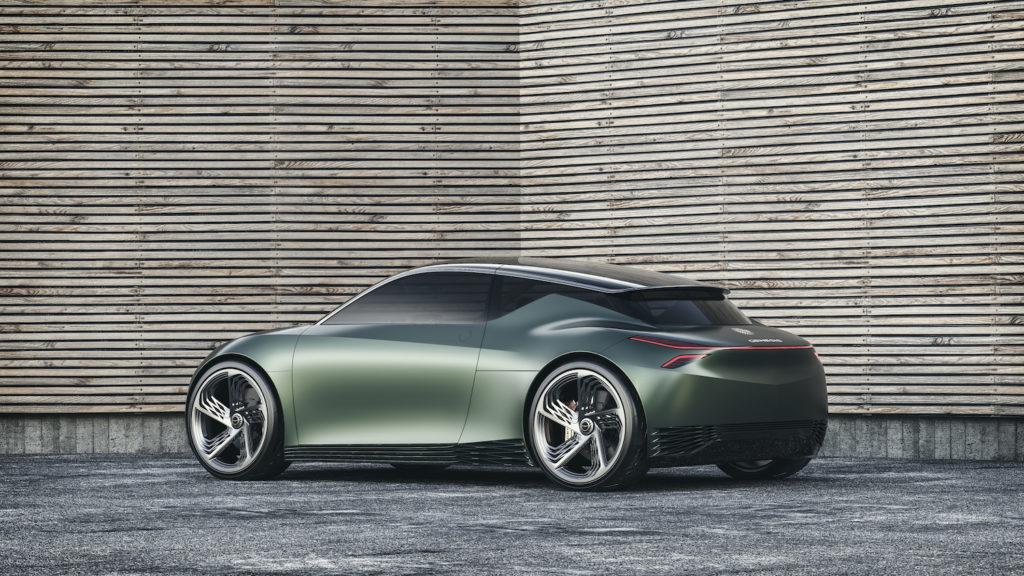 מבט צד על הרכב Genesis Mint בצבע ירוק כהה