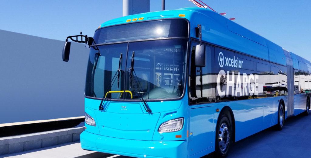 אוטובוס חשמלי כחול של חברת New Flyer or America