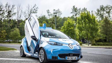 מונית אוטונומית מסוג רנו זואי שפועלת בפריז