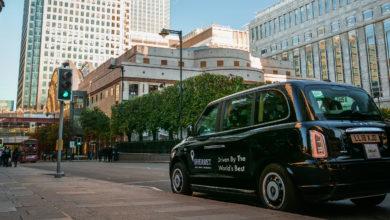 מונית שחורה ברחובות לונדון