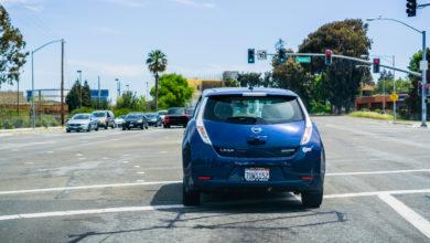 Photo of הרכבים החשמליים שקטים מדי- והיצרניות מוכרחות להתחיל 'לזייף'