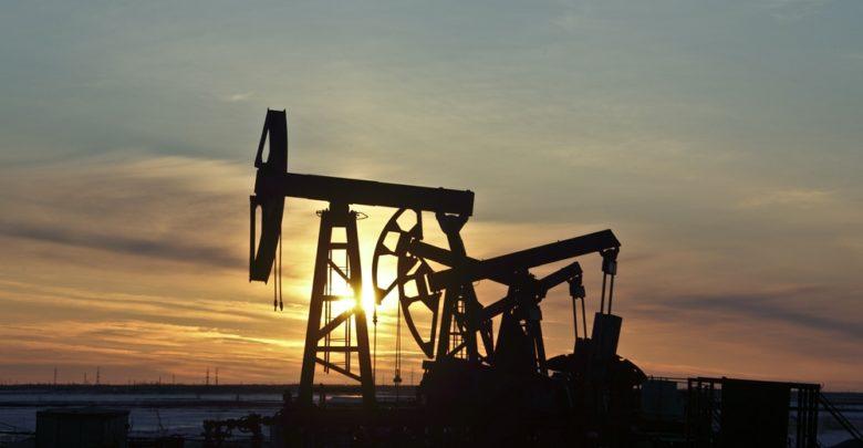 קידוח נפט בשקיעה