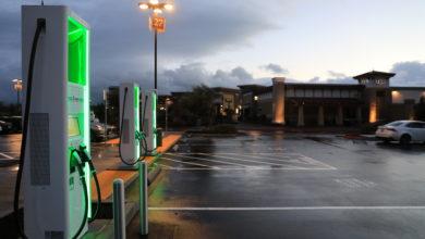 Photo of פולקסווגן מקימה תחנות טעינה מהר פי שניים מטסלה