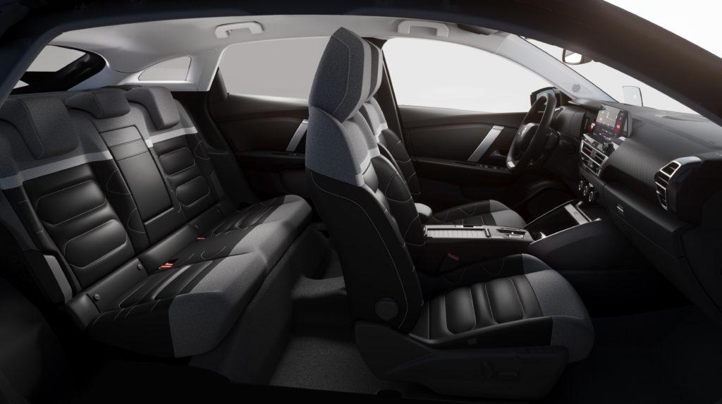 פנים הרכב והמושבים של הסיטרואן C4 החשמלית