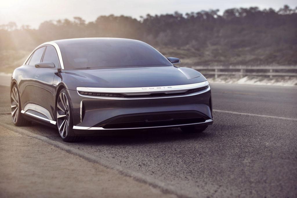 רכב חשמלי בצבע שחור של חברת לוסיד - Lucid Air