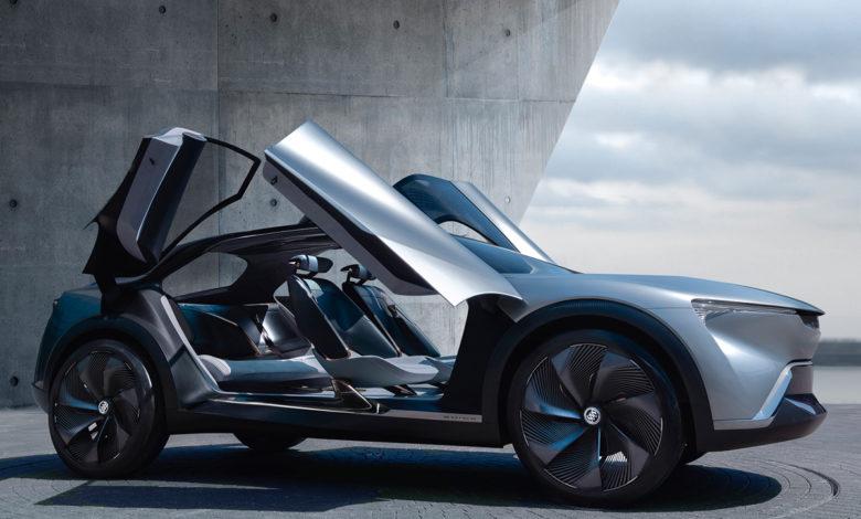 ביואיק אלקטרה EV החשמלית עם דלתטת שנפתחות למעלה