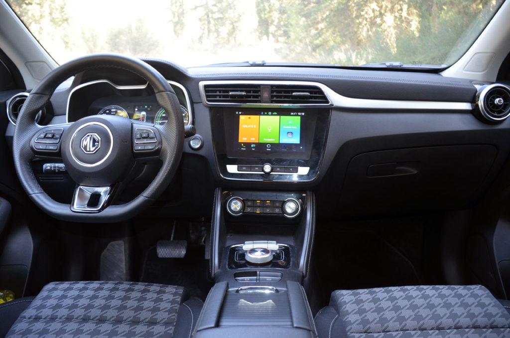 פנים הרכב של ה-MG ZS החשמלית
