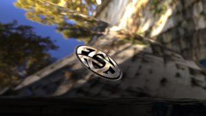 הלוגו של חברת Atlis בקדמת הרכב של ה-XT