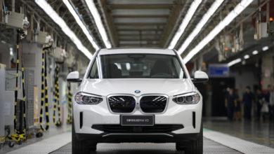 ב.מ.וו iX3 חשמלית בפס ייצור במפעל של החברה בסין