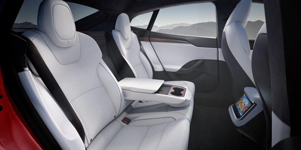 העיצוב בחדש של פנים הרכב טסלה מודל S