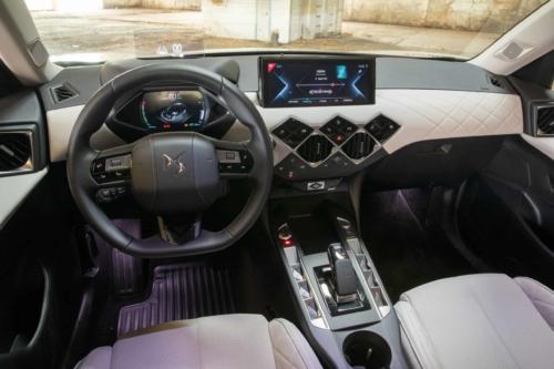 סביבת הנהג ב-DS3 E-Tense החשמלית