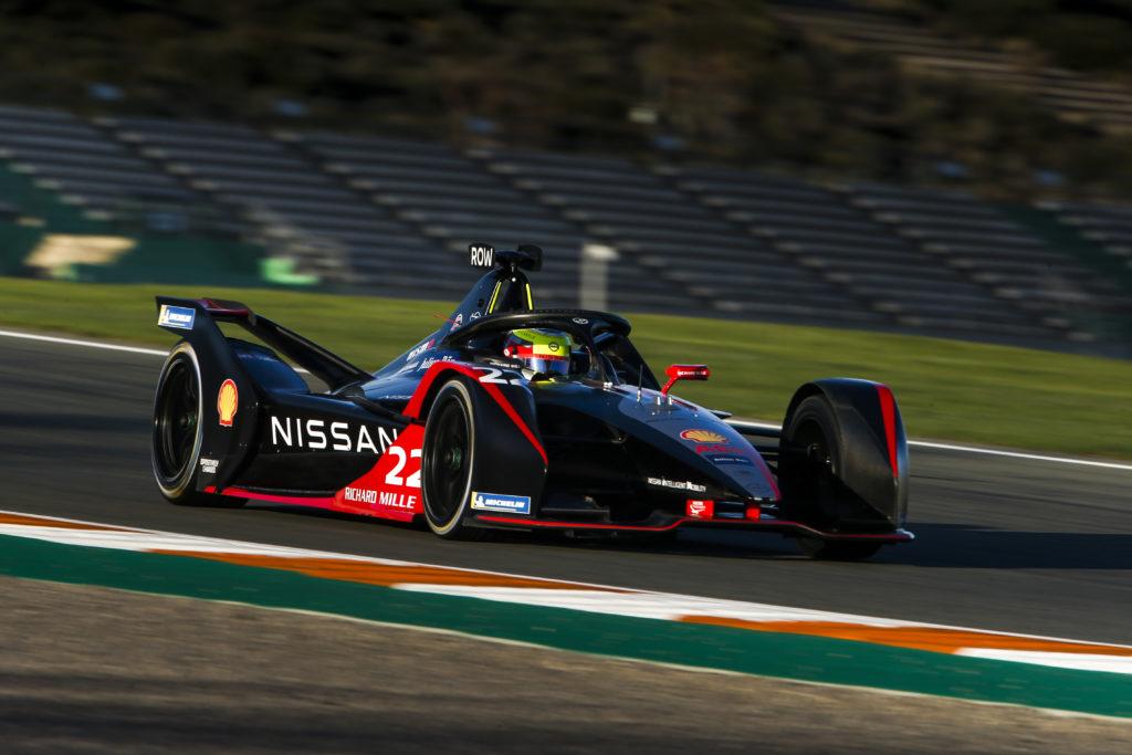 אוליבר רולנד ברכב המירוץ של ניסאן בפורמולה E