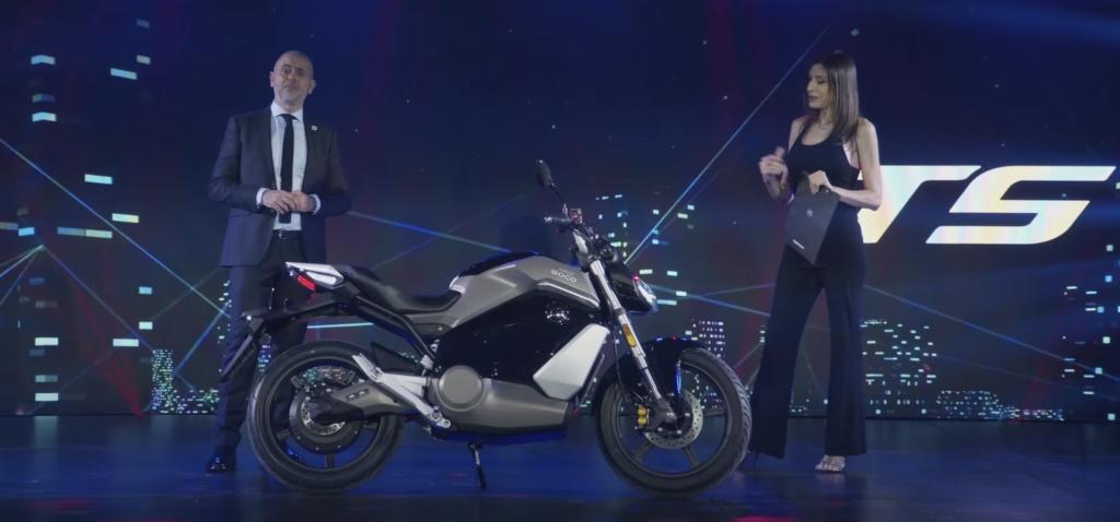 TS סטריט-האנטר בהשקת האופנועים החשמליים החדשים של סופרסוקו