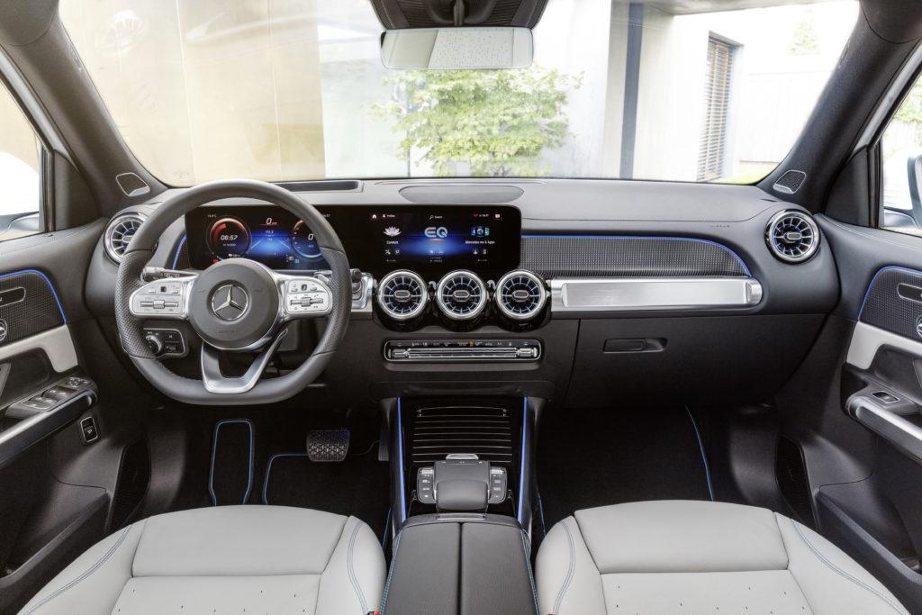 פנים הרכב של המרצדס EQB החשמלי