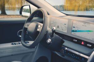 סביבת הנהג איוניק 5