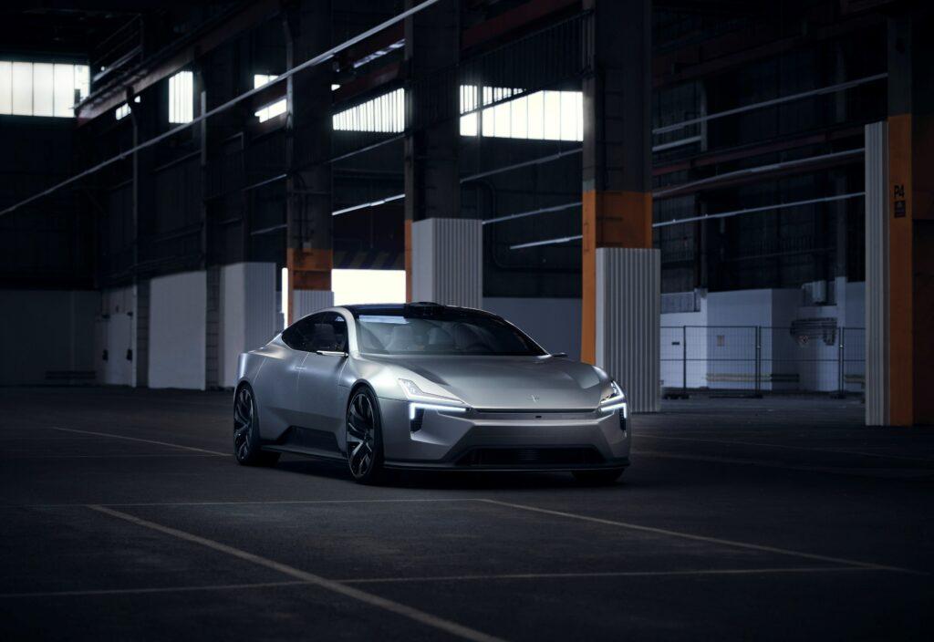 פולסטאר פריספט רכב קונספט חשמלי עתידני עם פנסי לד בקדמה