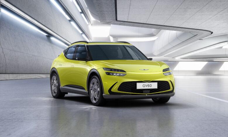 ג׳נסיס GV60 חשמלי מלא בצבע צהוב