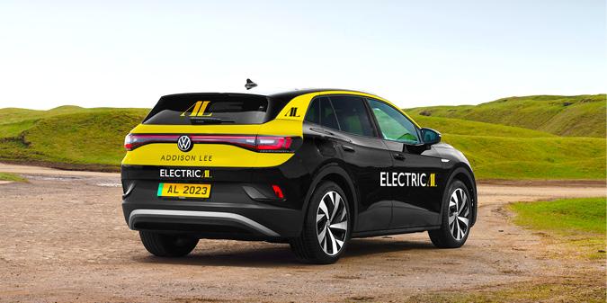 מונית חשמלית של חברת Addison Lee מסוג פולקסווגן ID.4