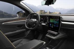 פנים הרכב של רנו מגאן E TECH חשמלית