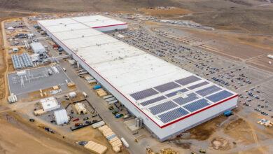 מבט על על המפעל של טסלה בנבדאה