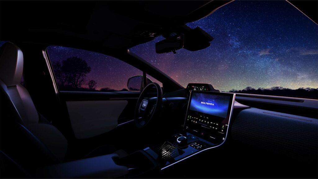 פנים הרכב של הסובארו סולטרה החשמלית