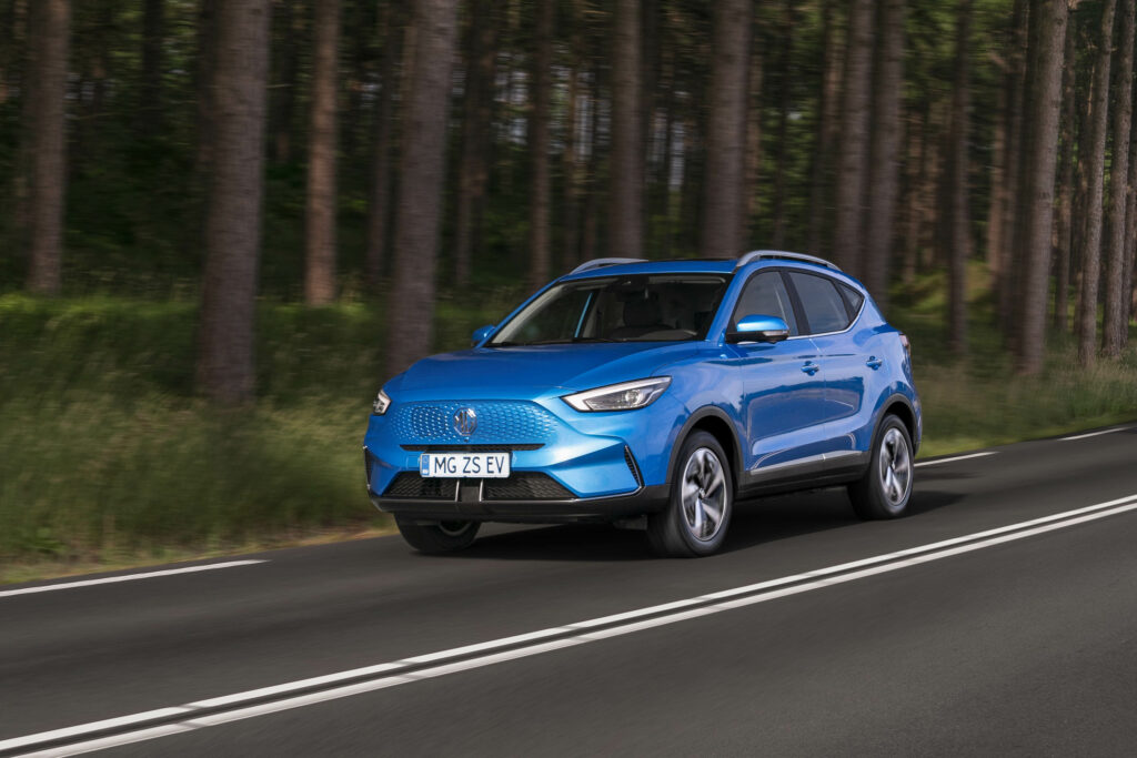MG מציגה ZS EV מעודכן: עיצוב חדש וטווח משודרג