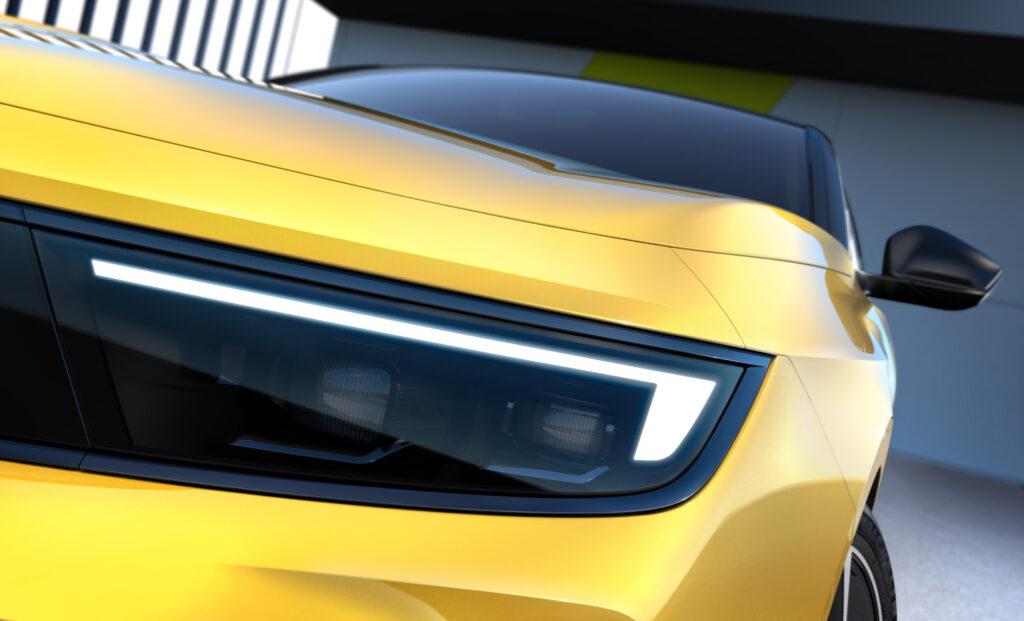 תאורת לד בקדמת הרכב של אופל אסטרה החשמלית
